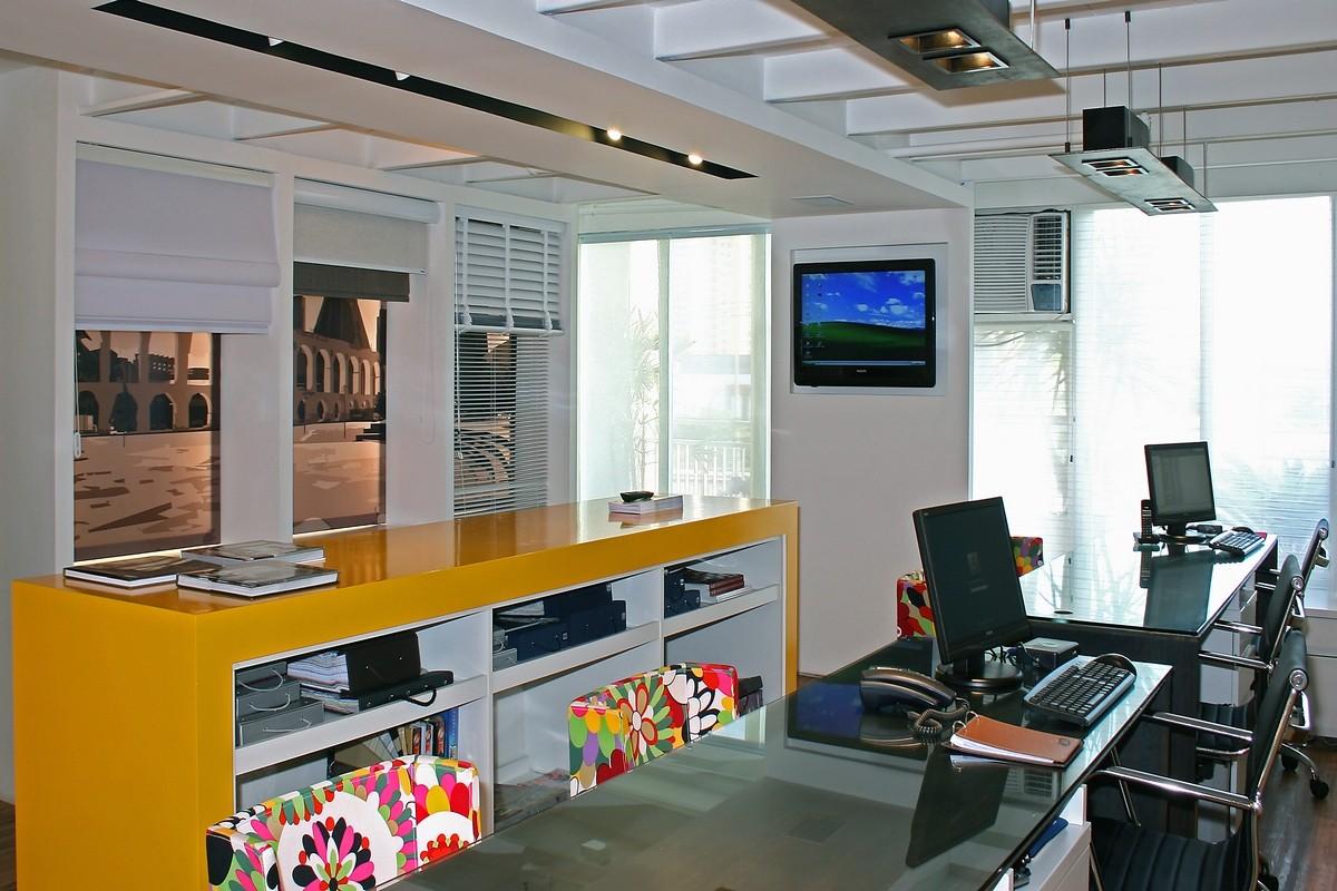 Projeto de arquitetura para ajudar a decorar um escritório pequeno