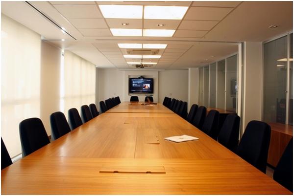 Iluminação para escritório: como iluminar o ambiente de trabalho