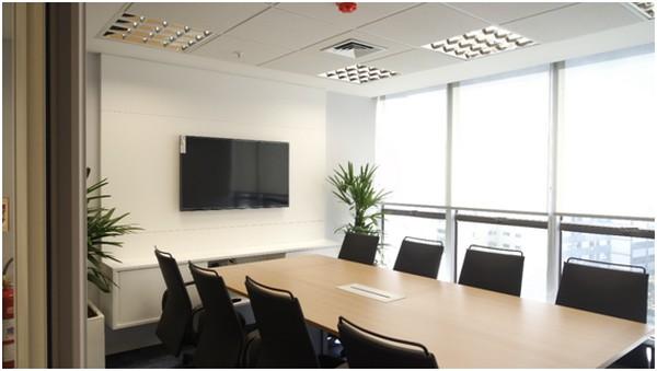 Como criar uma sala de reunião bonita e confortável