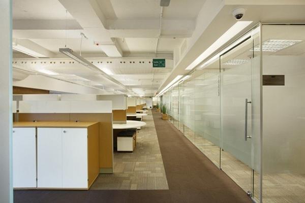 Organização de escritórios com divisórias
