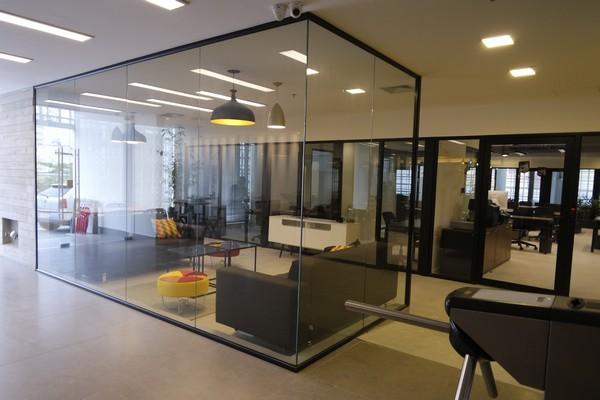 Como criar uma sala de espera confortável para seus clientes