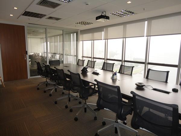 5 projetos de aproveitamento de luz natural na arquitetura corporativa