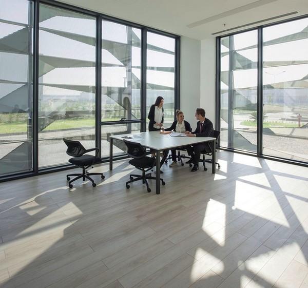 Arquitetura Corporativa com aproveitamento de luz natural